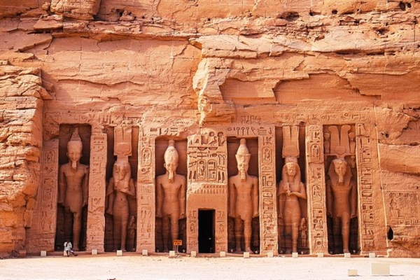 Private Tour Abu Simbel by Minibus from Aswan