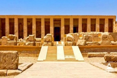 One-Day Tour: Giza Pyramids, Sphinx, Sakkara and Dahshour